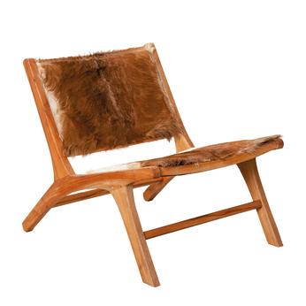 chaise en peaux et bois