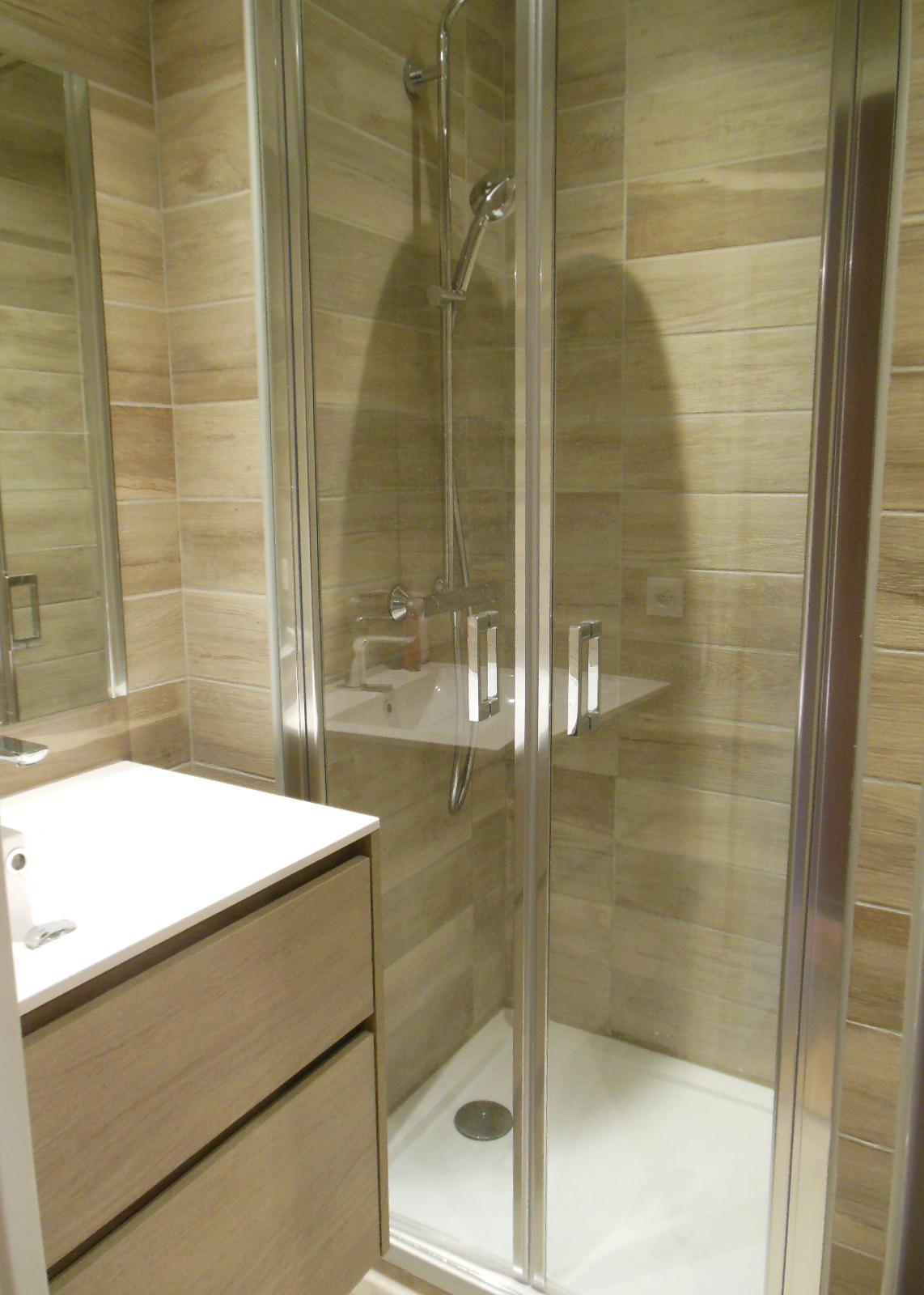 salle de bain rénovation douche avec bac
